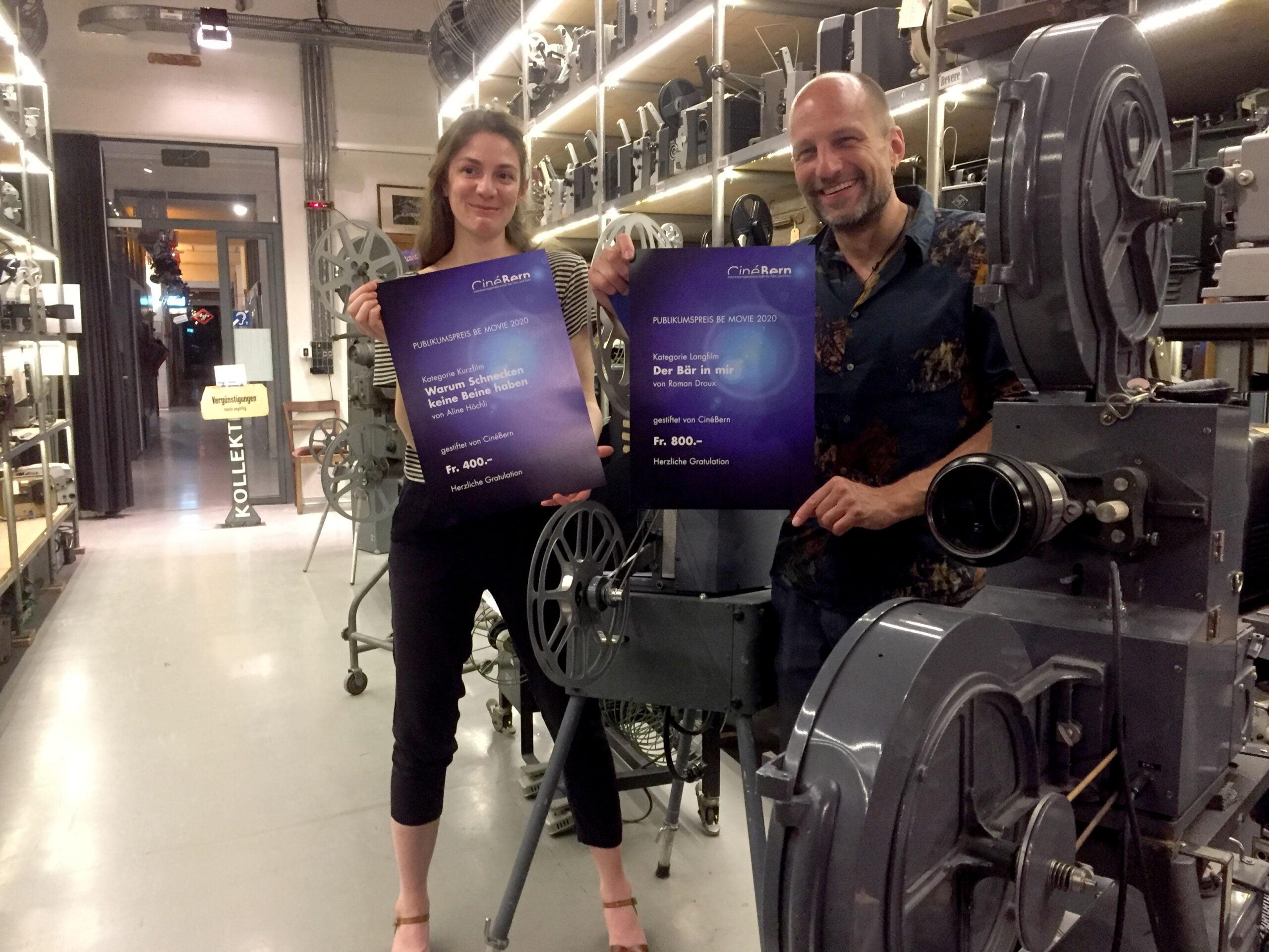 Aline Höchli und Roman Droux bei der Vergabe der Publikumspreise BE-Movie 2020.