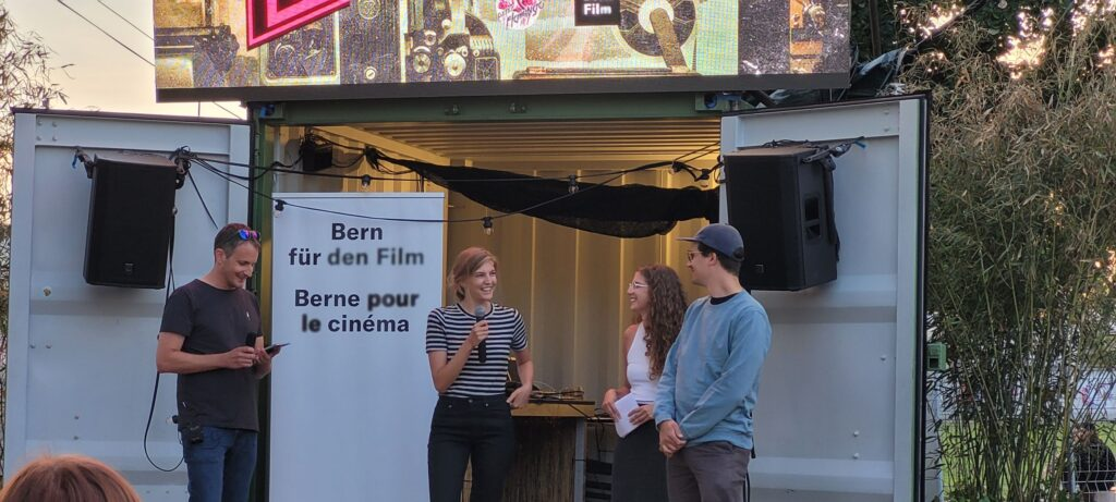 Amélie Cochet und Louis Möhrle eröffneten mit ihrem Kurzfilm «IHR» den Abend.